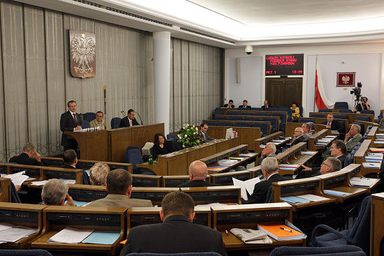 Senat: w czwartek kontynuacja debaty ws. ustawy o SN