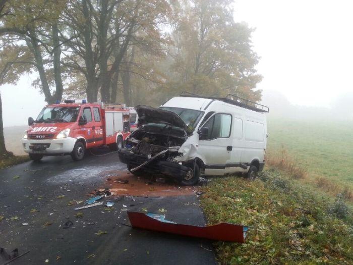 Gimbus zderzył się z busem. 9 uczniów rannych