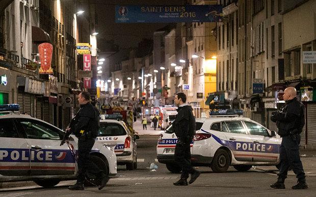 Policyjny szturm w Saint Denis. Aresztowanych siedem osób, dwoje terrorystów zginęło