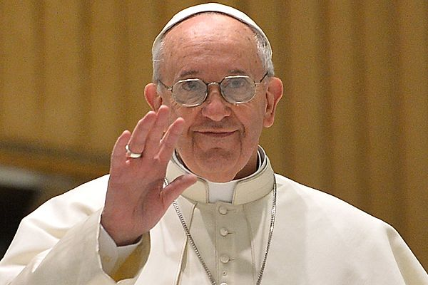 Watykan: papież modlił się o dar pokoju dla świata