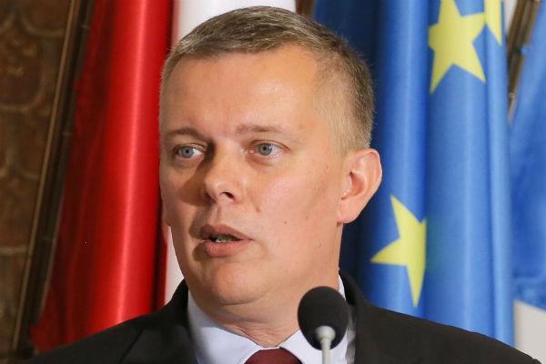 Siemoniak: nocna akcja w Centrum NATO to skandal, tracimy wiarygodność