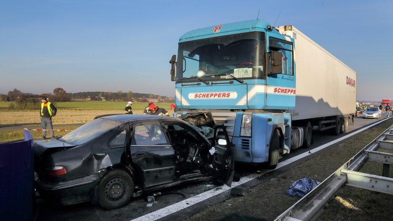 30 osób zginęło w wypadkach podczas świątecznego weekendu