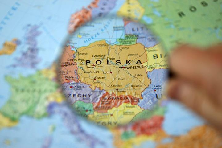 PMI dla Polski w XII stabilny, sygnalizuje solidny wzrost, ceny wciąż spadają