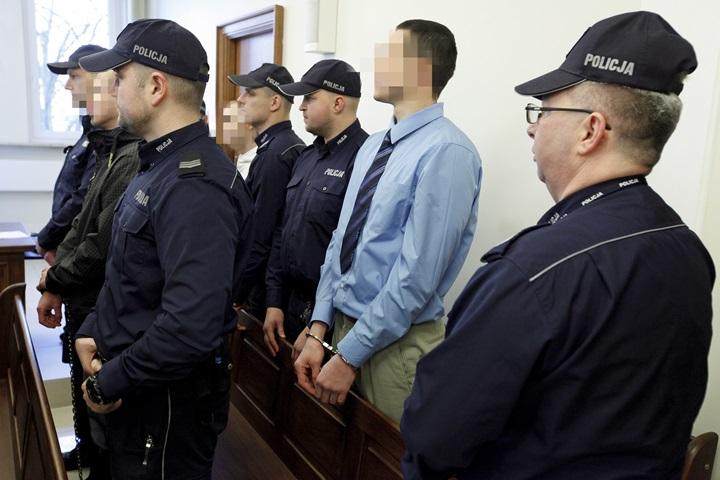 Trzech mężczyzn skazanych za gwałt i zabójstwo młodej kobiety w Sokółce