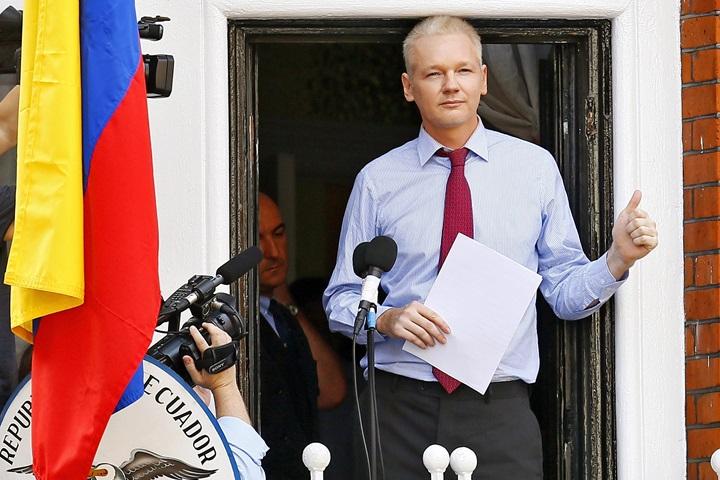 Grupa robocza ONZ: Julian Assange jest arbitralnie przetrzymywany