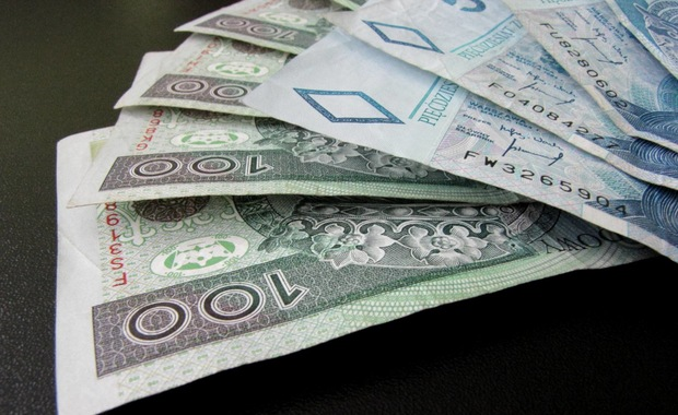 KRD BIG: mężczyźni częściej niż kobiety mają długi w bankach
