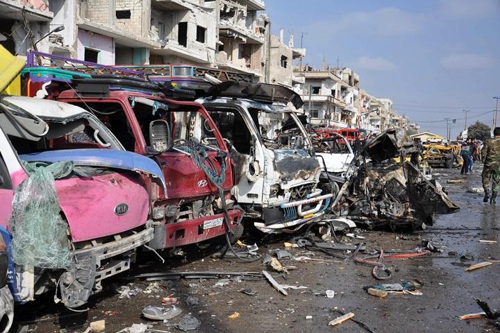 Syria: ponad 140 ofiar śmiertelnych ataków bombowych w Damaszku i Hims