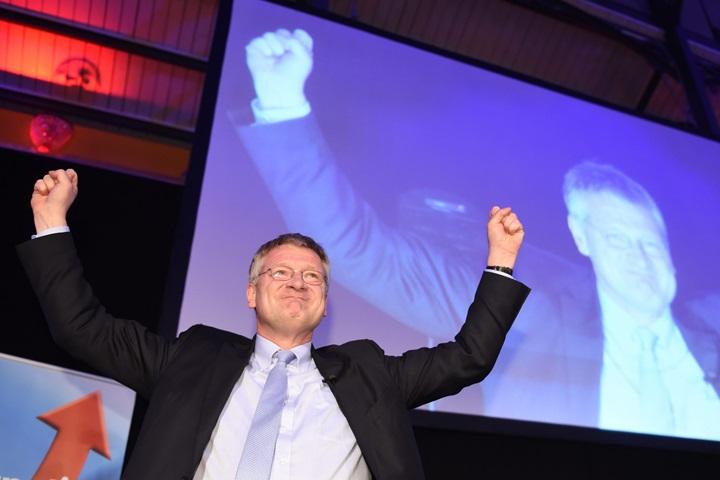 Wybory regionalne w Niemczech: CDU traci głosy, sukces przeciwników imigracji