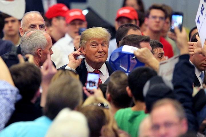 Prawybory w USA: Maleje przewaga miliardera Trumpa nad senatorem Cruzem