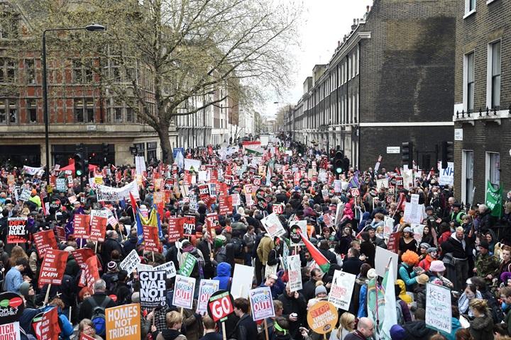 Wielotysięczny protest w Londynie przeciwko polityce cięć