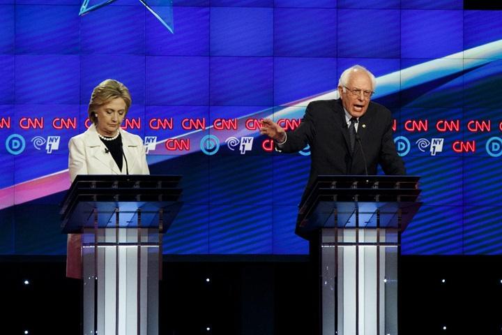 Starcie Clinton i Sandersa w kolejnej debacie telewizyjnej