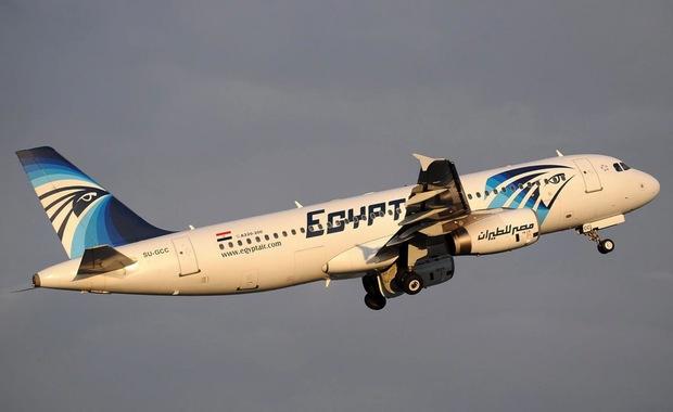 Awaryjne lądowanie samolotu z Kairu. Powodem podejrzenie bomby