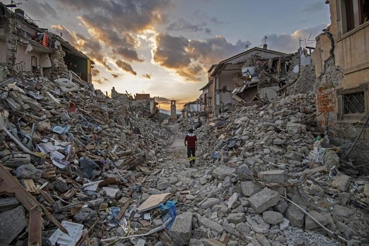 Na 4 mld € oszacowano wstępnie szkody po trzęsieniu ziemi we Włoszech
