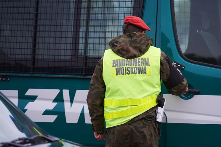 Oficerowie uczestniczyli w awanturze, grozi im wydalenie z wojska