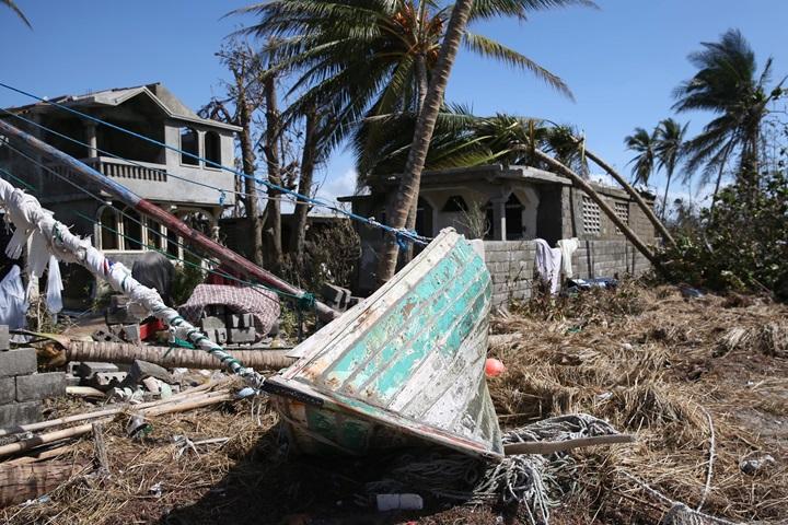 Indonezja: do 420 wzrosła liczba ofiar śmiertelnych tsunami