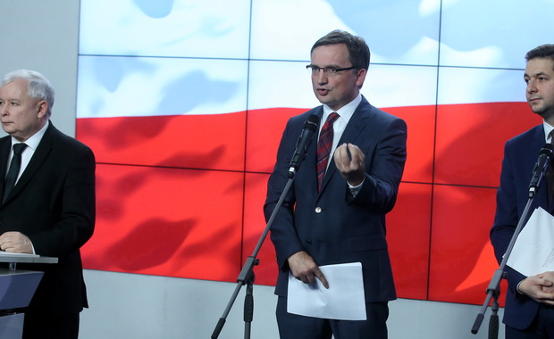 Ziobro: zatrzymano 5 notariuszy podejrzanych m.in. o wyłudzanie nieruchomości