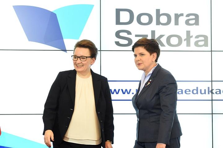 Premier: polska szkoła ma być nowoczesna, ale też czerpać z tradycji narodu polskiego