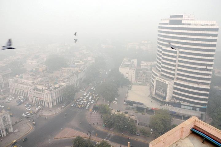 Zanieczyszczone powietrze w stolicy Indii powodem zamknięcia szkół