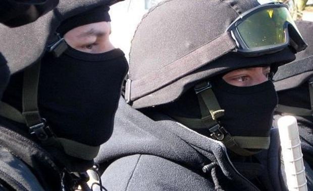 Zamieszki pseudokibiców w Zabrzu. Policja użyła gazu i broni gładkolufowej