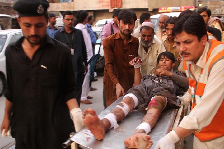 Pakistan: co najmniej 43 zabitych w zamachu na sanktuarium w Beludżystanie