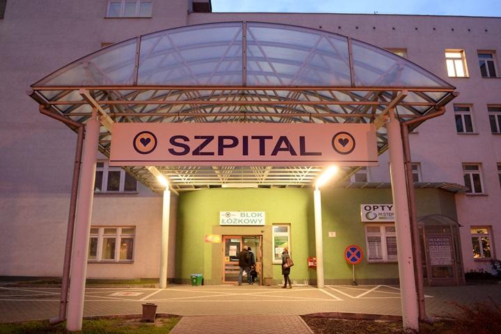 Ministerstwo Zdrowia: w kraju jest 8056 wolnych łóżek dla pacjentów z Covid-19 oraz 481 respiratorów