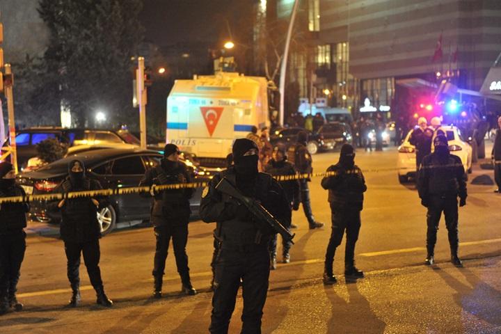 Ankara: zmarł ambasador Rosji ranny w zamachu