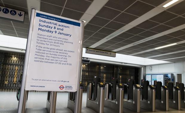 Londyńskie metro wznowiło działalność po 24-godzinnym strajku