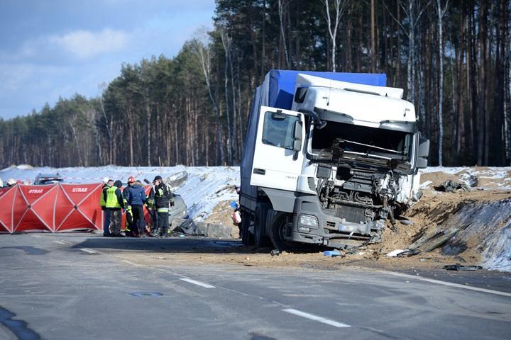 Mazowsze: 3 osoby zginęły w wypadku na drodze krajowej nr 8