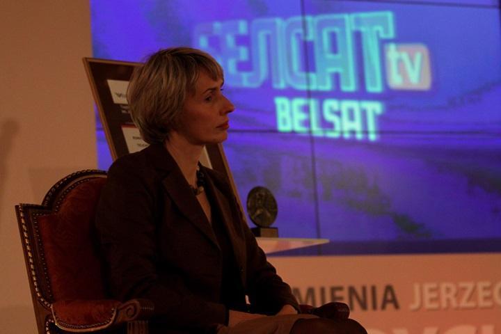 Przeszukanie w mińskiej redakcji telewizji Biełsat; zatrzymany dziennikarz