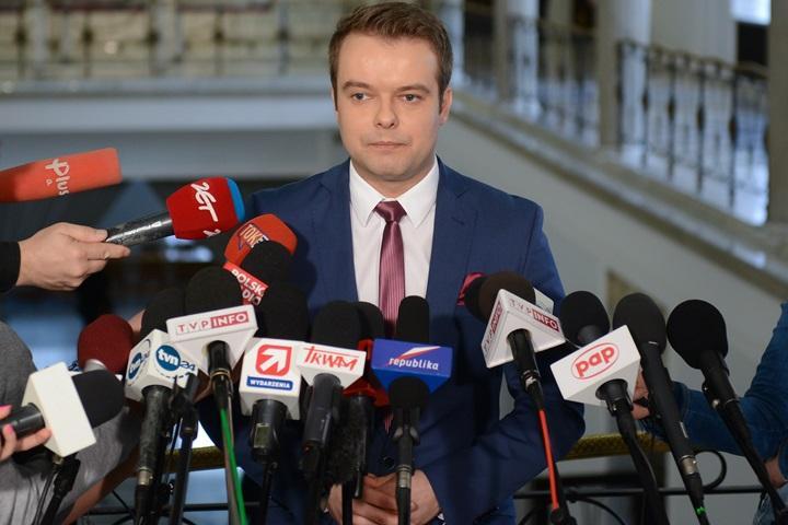 Bochenek: nie ma sporu kompetencyjnego między szefami MON i MC