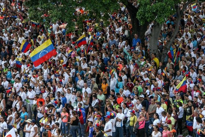 Wenezuela: starcia z policją podczas wielkiej demonstracji w Caracas