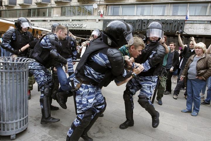 Rosja: aresztowano ponad 1,5 tys. demonstrantów; Nawalny skazany na 30 dni aresztu