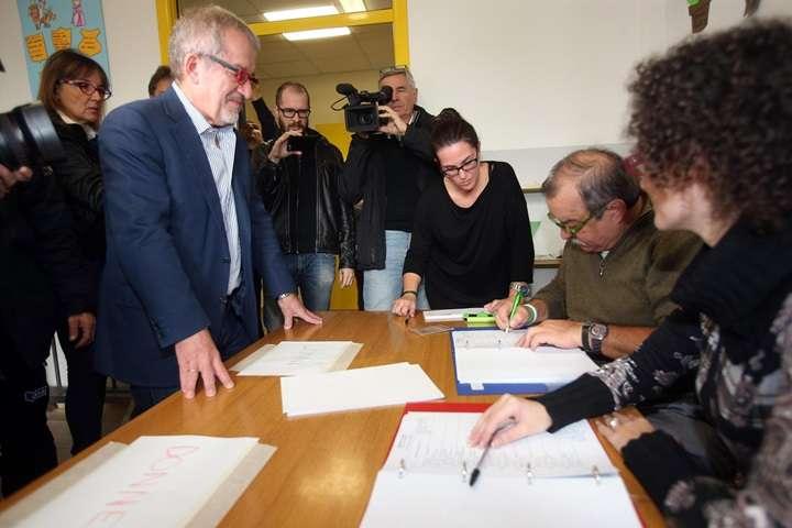 Włochy: zwycięstwo zwolenników większej autonomii w dwóch północnych regionach