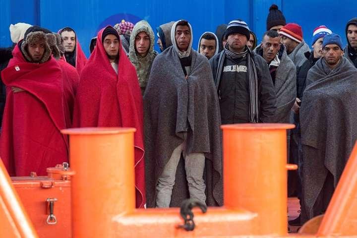 Hiszpanie uratowali na morzu ponad 650 nielegalnych imigrantów