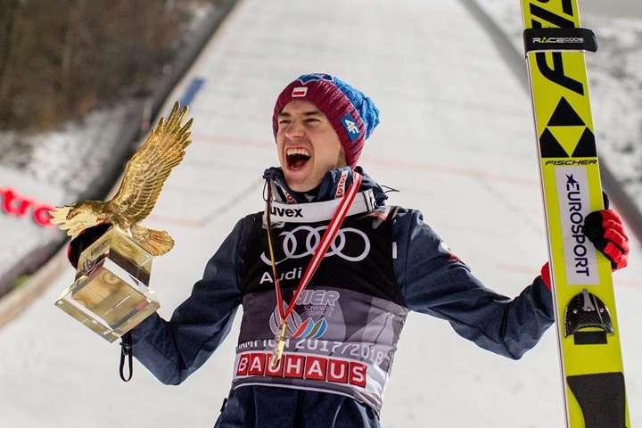 Kamil Stoch zwyciężył w Turnieju Czterech Skoczni; jest liderem Pucharu Świata