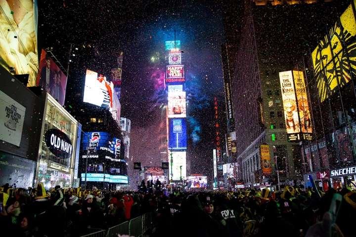 USA: około 1 mln osób powitało Nowy Rok na Times Square