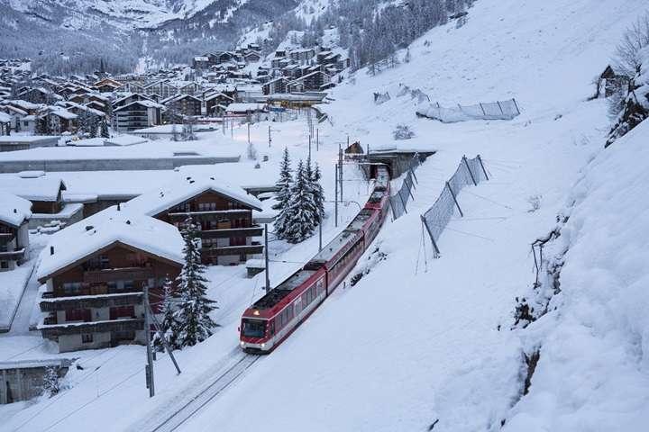 Szwajcaria: wznowiono ruch pociągów z ośrodka turystycznego Zermatt