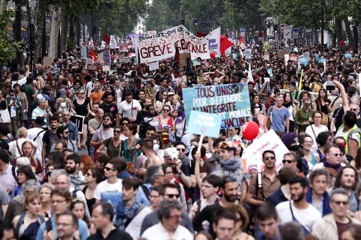 Francja: 250 tysięcy ludzi protestowało przeciwko polityce Macrona