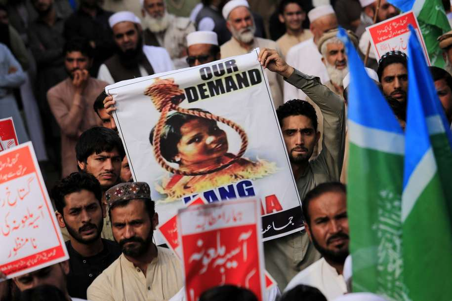 Mąż uniewinnionej chrześcijanki apeluje o azyl. W Pakistanie boi się o życie rodziny