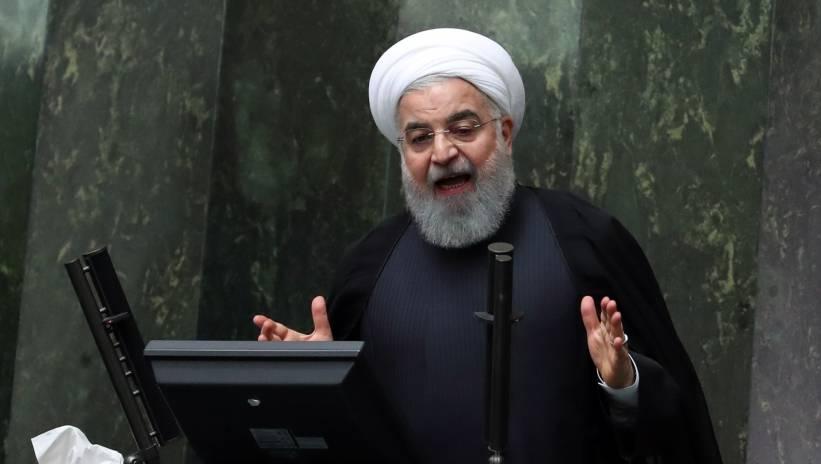 Rowhani: Iran będzie sprzedawał swoją ropę, złamie sankcje USA