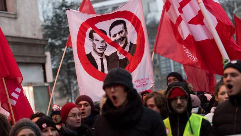 Austria: demonstracja przeciwko rządowi w pierwszą rocznicę jego powstania