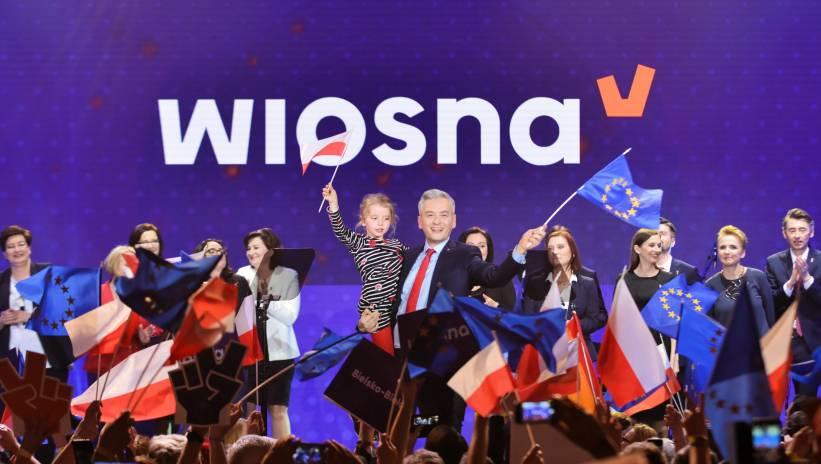 Biedroń przedstawił pakt Lewicy dla małych i średnich miast