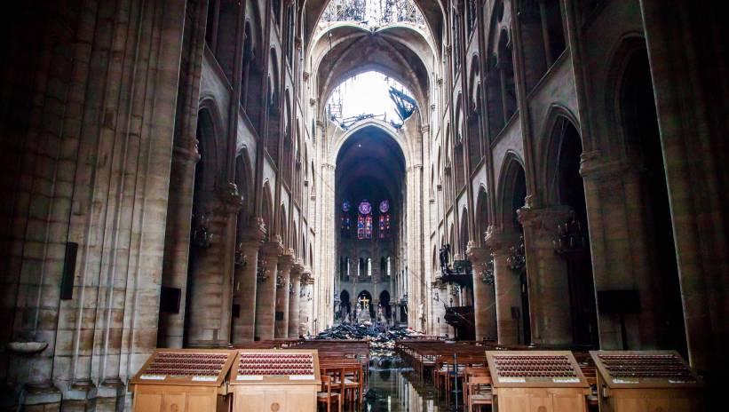 Francja: odnaleziono relikwiarz w kształcie koguta z iglicy Notre Dame