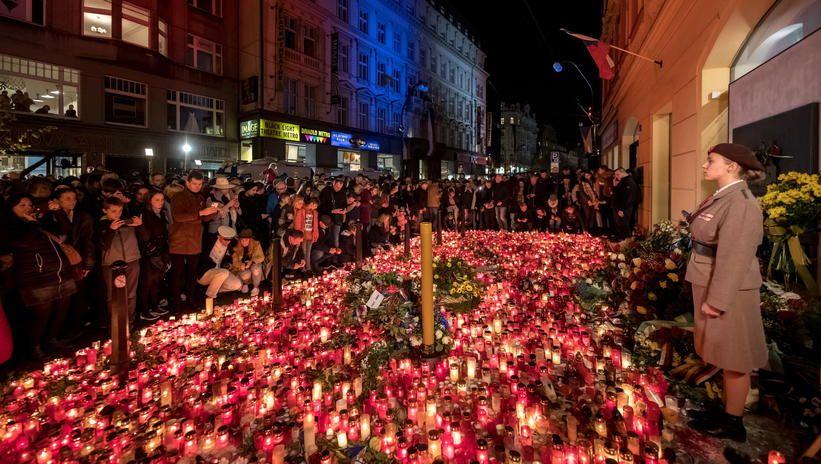 Czechy: tłumy na obchodach rocznicy aksamitnej rewolucji