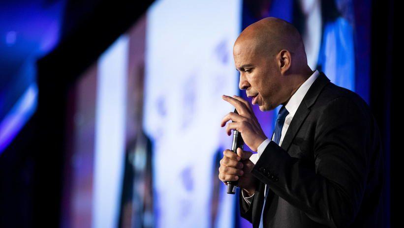 USA: demokrata Cory Booker wycofał się z wyścigu prezydenckiego