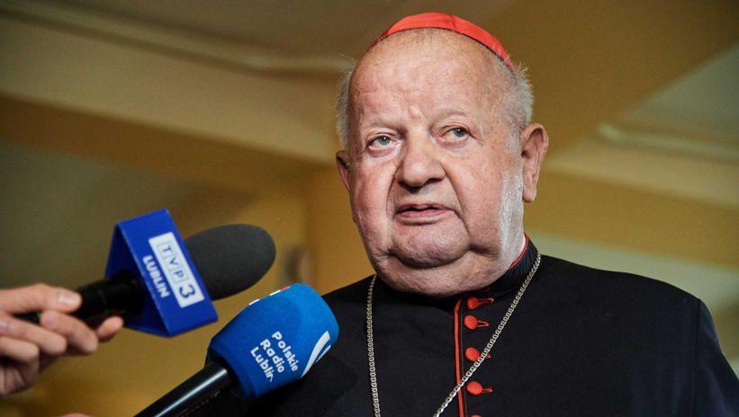 Kard. Dziwisz: zarzuty wobec biskupa Szkodonia boleśnie dotknęły wiele osób