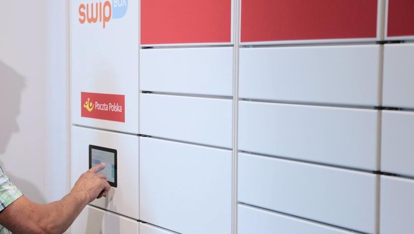 Poczta Polska do 2022 r. udostępni 2 tys. zewnętrznych automatów paczkowych
