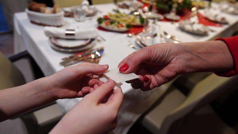 Do 27 grudnia spotkania rodzinne do 5 osób, nie wliczając domowników