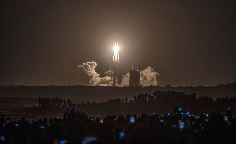 Chiny wysłały statek kosmiczny na księżyc
